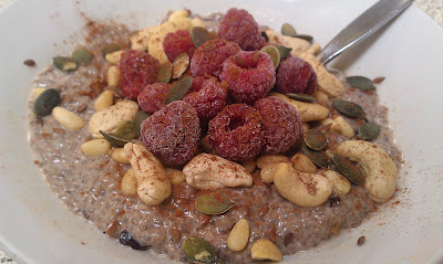 Raw Superfood Chia Porridge