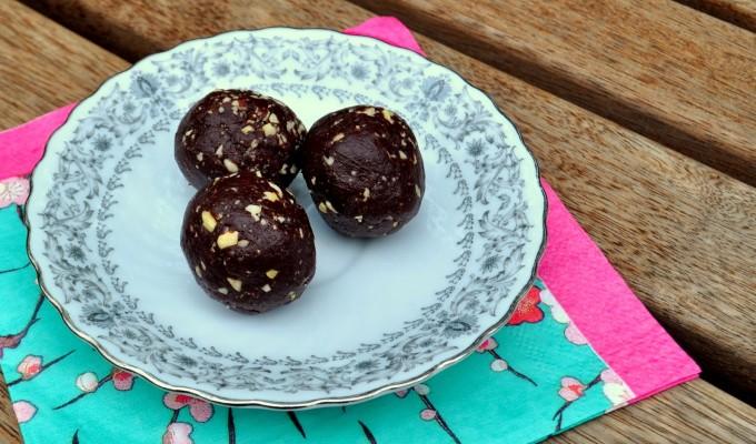 Dark 'Nutella' Bliss Balls (raw)